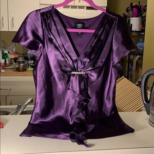 Studio 1940 blouse w rhinestone accent, size 8
